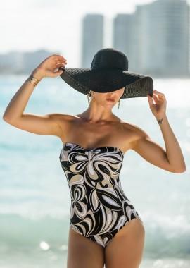 Modell 5 - Karen Islas